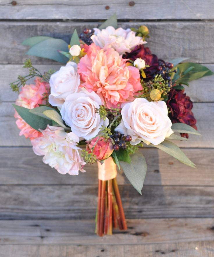 roses-and-pale-coral-peonies-bouqiet
