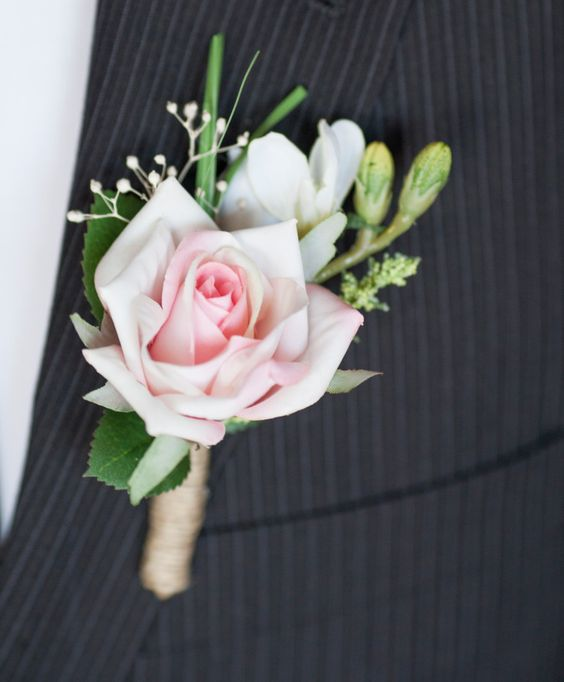 teotd-rose-boutonniere