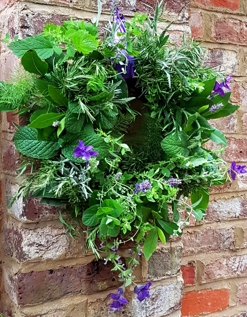 teotf-scented-herbs-hanging-wreath-side-shot