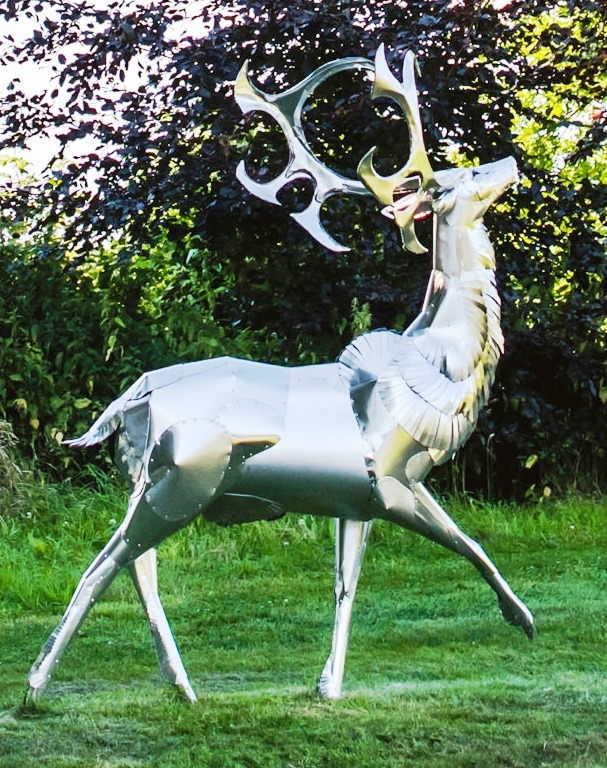 Sculptures-in-the-Vineyard-STAG-by-Carlos-Dare