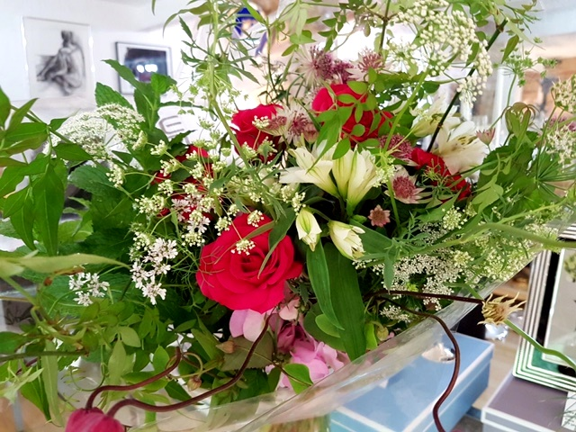 BRITISH-FLOWER-WEEK-HAND-TIED-BOUQUET