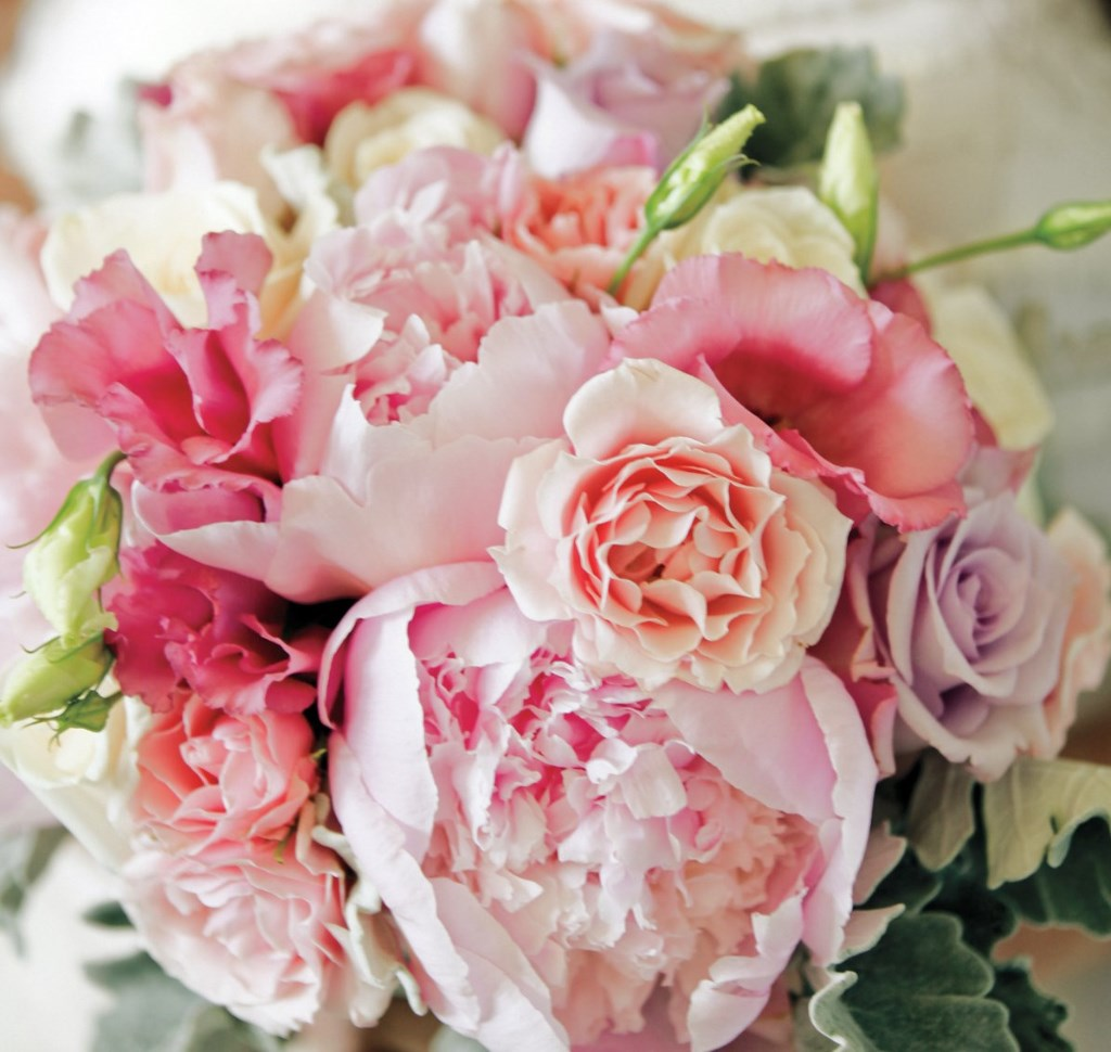 ROSES-AND-PEONIES-WEDDING-BOUQUET