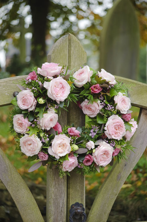 floral-arrangement-for-church-gate