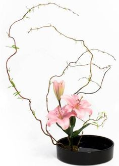 teotf-ikebana-with-pink-roses