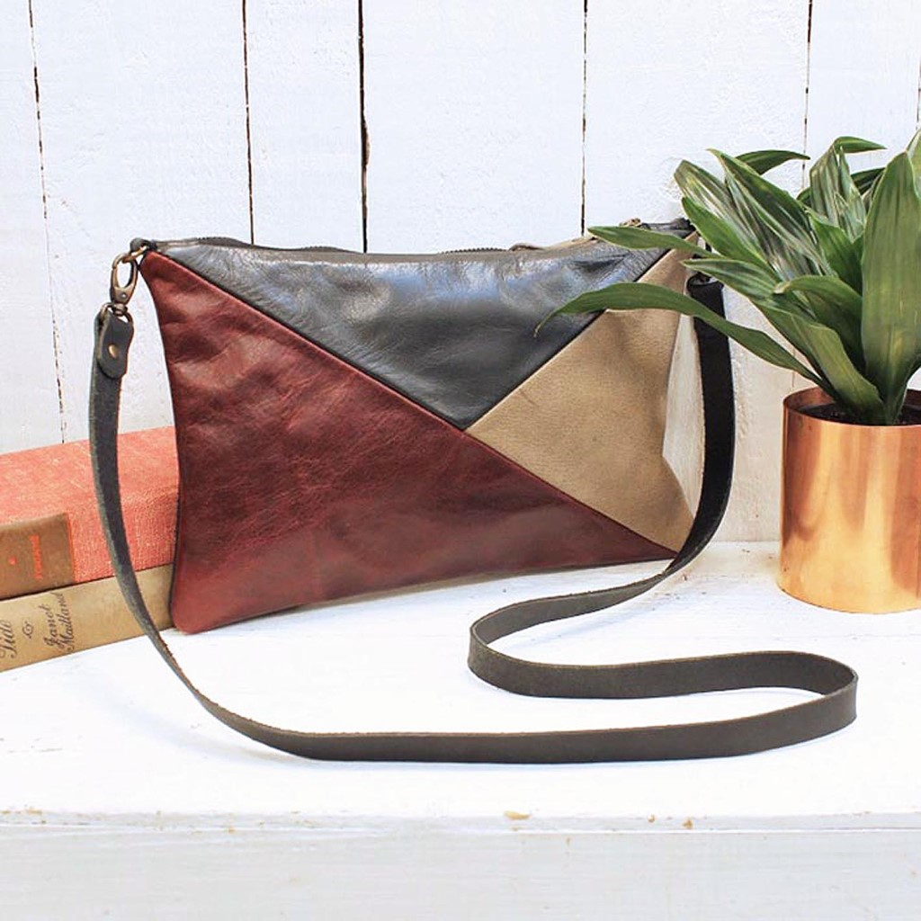 Geo-bag-red-styled-1