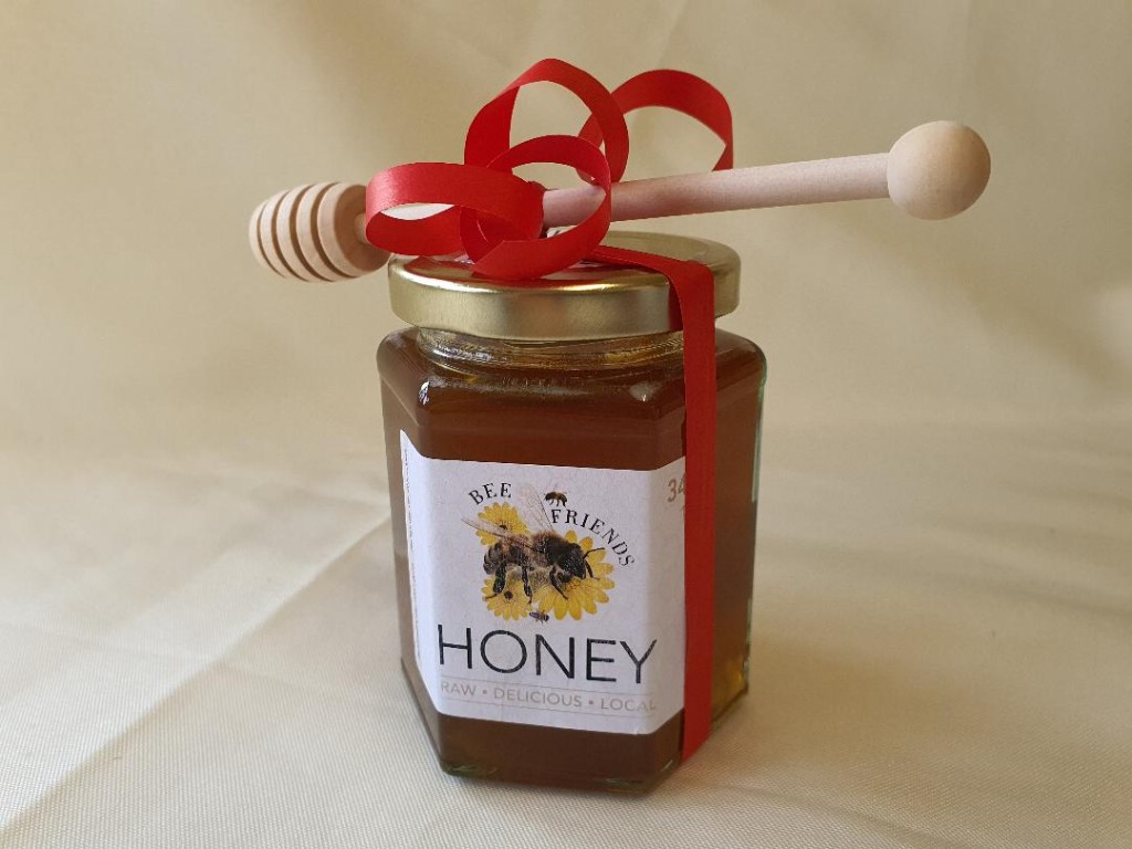 Christmas-Wrapped-Honey-Jar-with-Wooden-Honey-Dipper